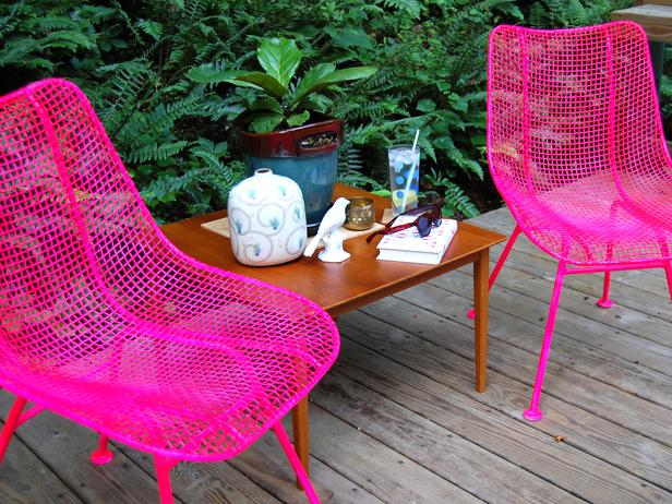 how to paint metal chairs how tos diy. Black Bedroom Furniture Sets. Home Design Ideas